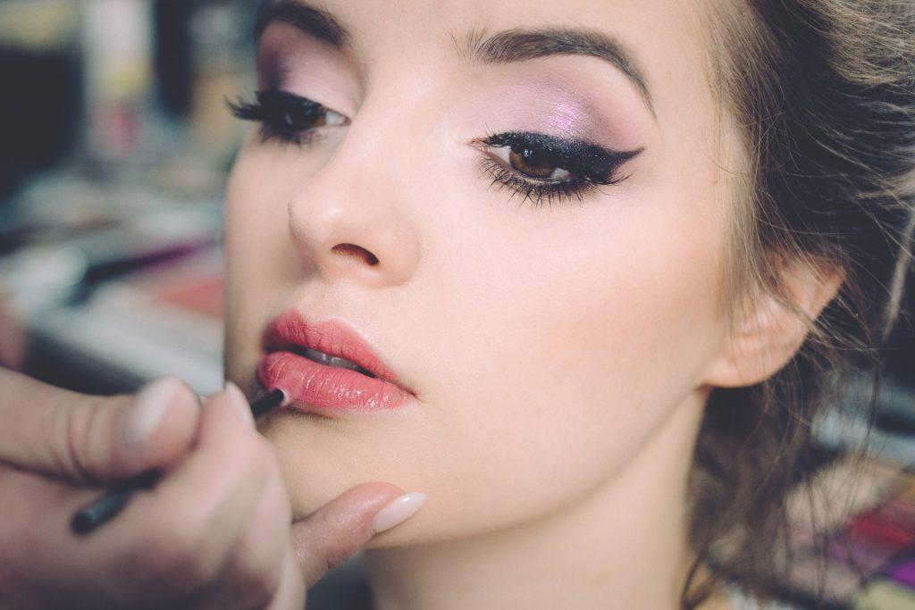 Maquillaje Clarins realza tu belleza y te cuida